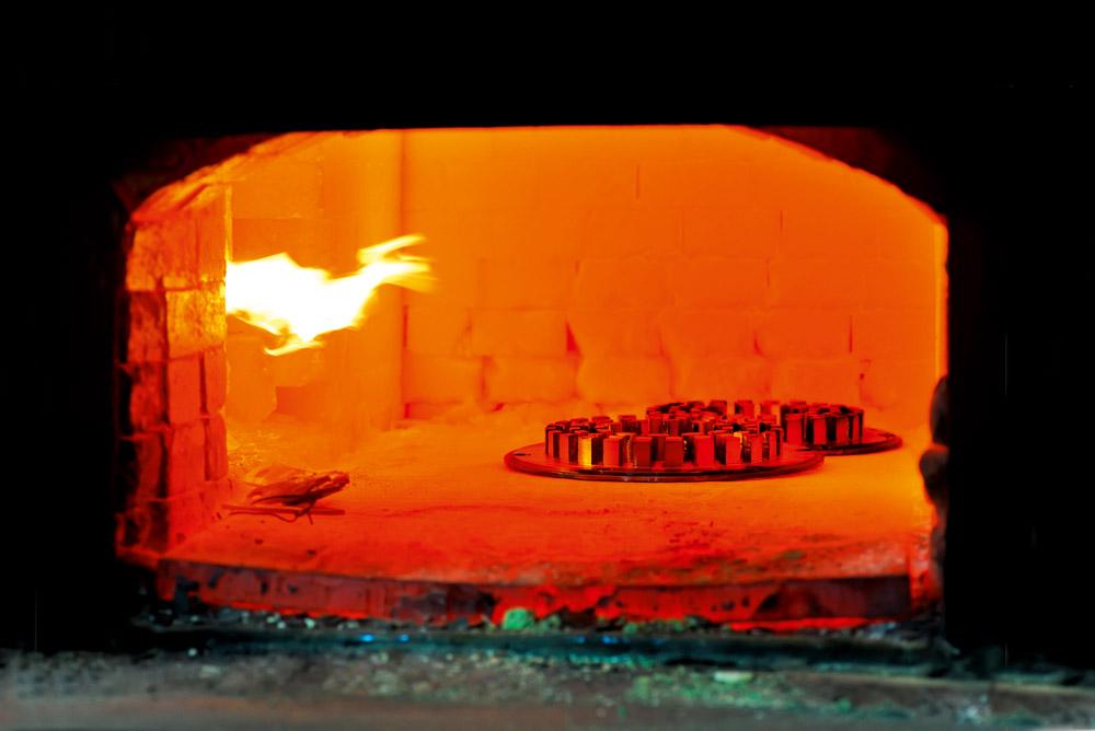 Reparaturmörtel Vatral® 1235 zum Abdichten von Brennkammern